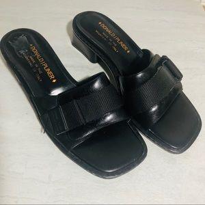 Vintage Donald J Pliner slide on sandals black 9